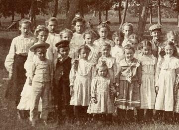 'Maud's Family' 2a