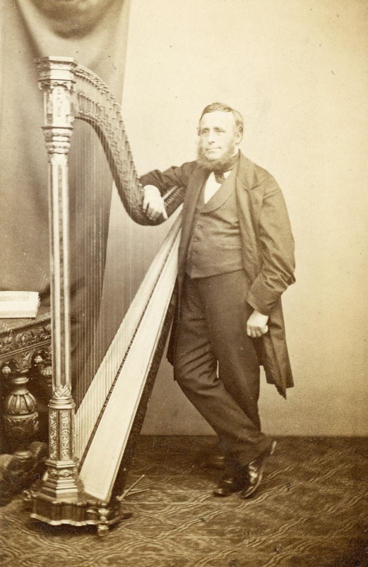 Harpist by Lavis 1