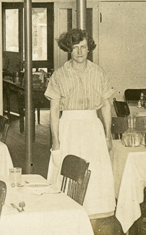 Elliot Elm Cafe (1926) Mrs. Nelson