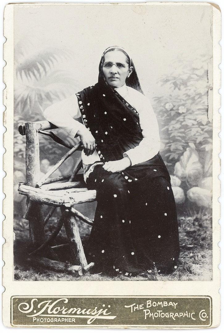 Woman in Mumbai by S. Hormusji 2