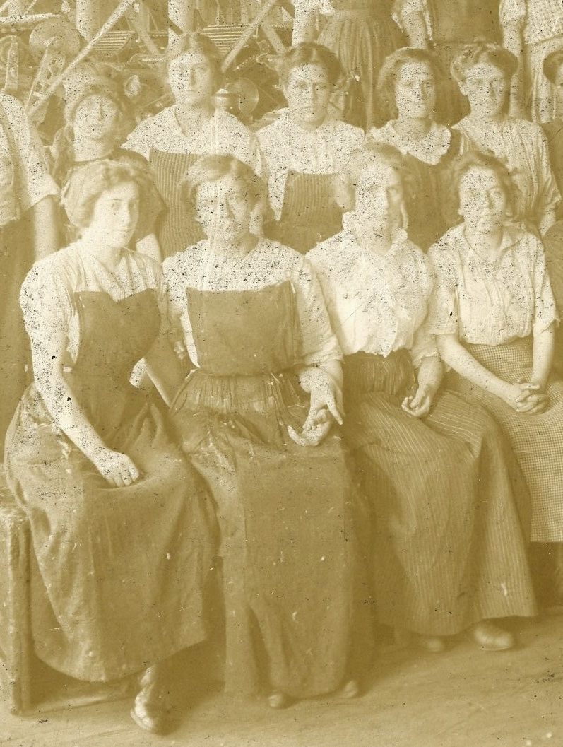 Mill workers, location unknown 3